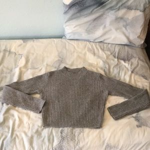 Brandy Melville gray (semi)cropped sweater.